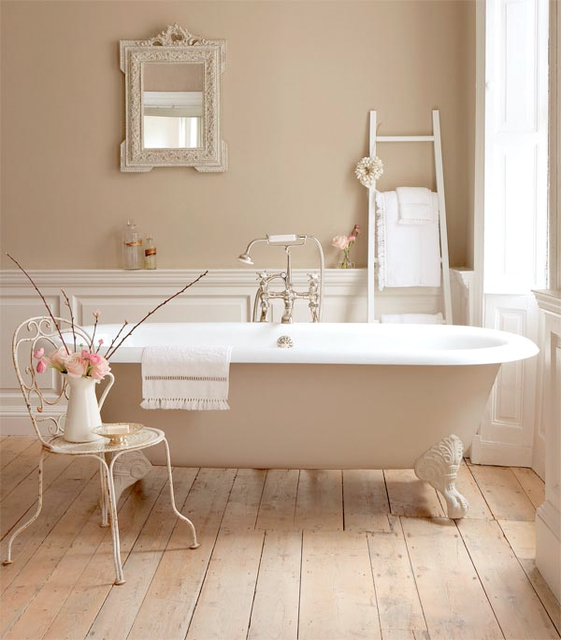 Cheap home decors shabby chic bathrooms for Shabby chic bathroom decor your home