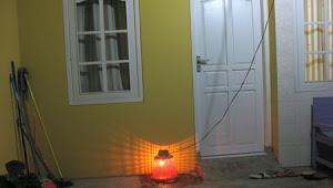 Hukum Sunnah Memasang Lampu Diatas Penguburan Ari-Ari