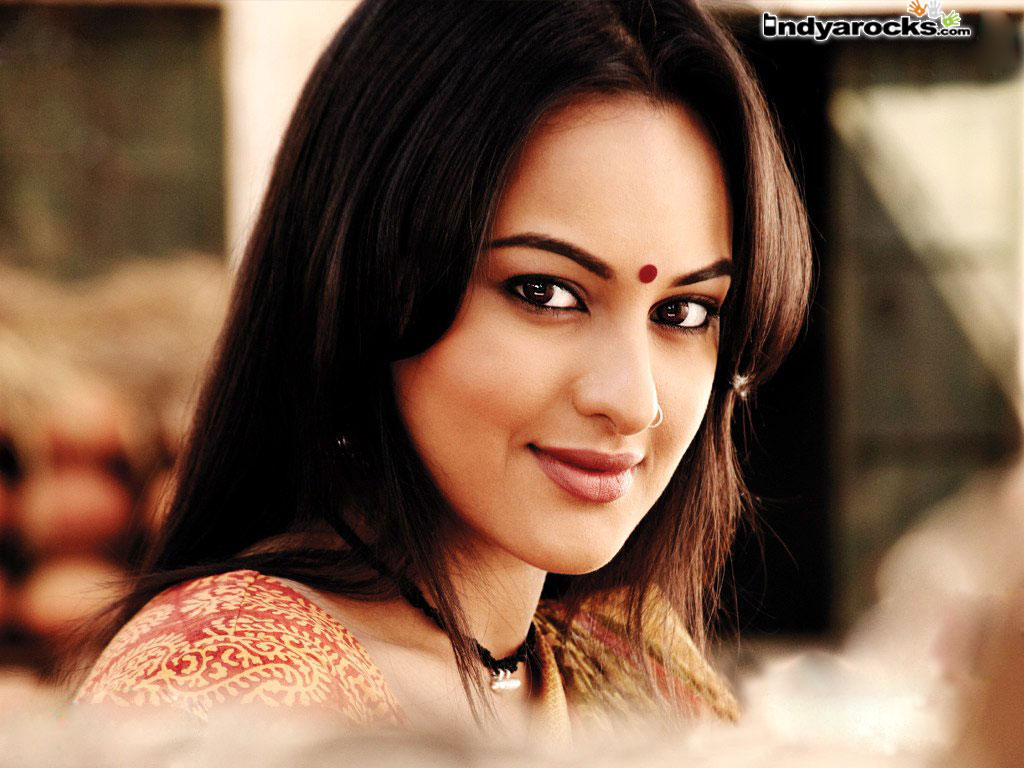 sonakshi sinha hot bikini photos   bollywood hot pics