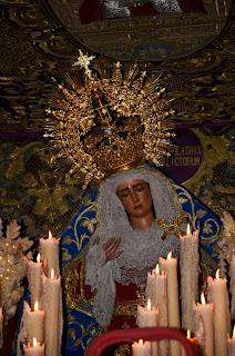 María Stma. de las Angustias Coronada - Sevilla