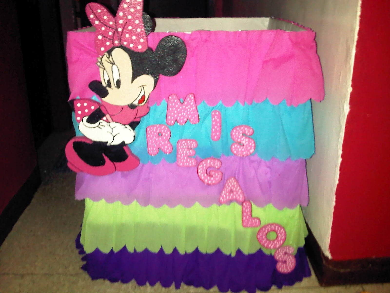 FKP: Decoración y piñata de Minnie Mouse