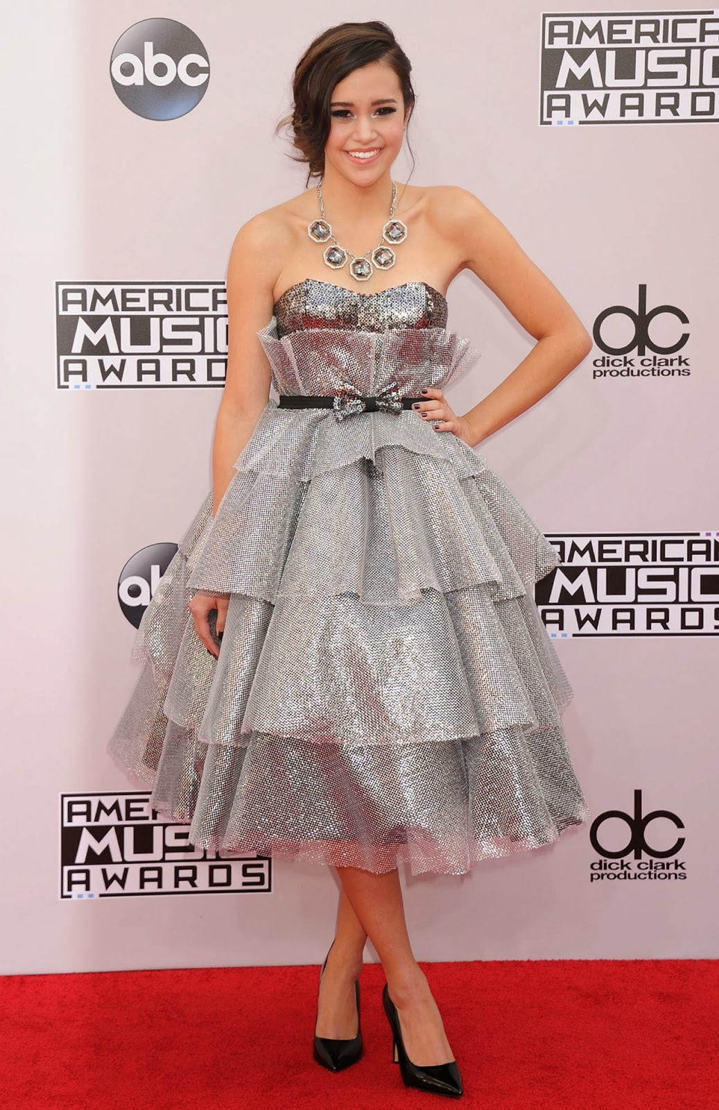 Megan Nicole - 2014 American Music Awards - Red Carpet