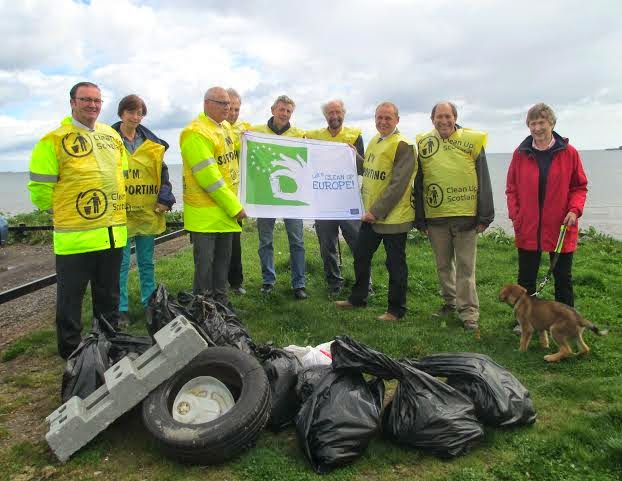 Litter Pick on Broughty Ferry Beach Friday 9 May 2014