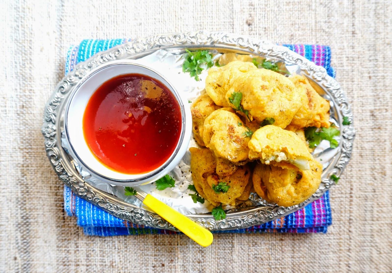 cauliflower pakoda,gobhi pakoda,fritters,snacks,starters