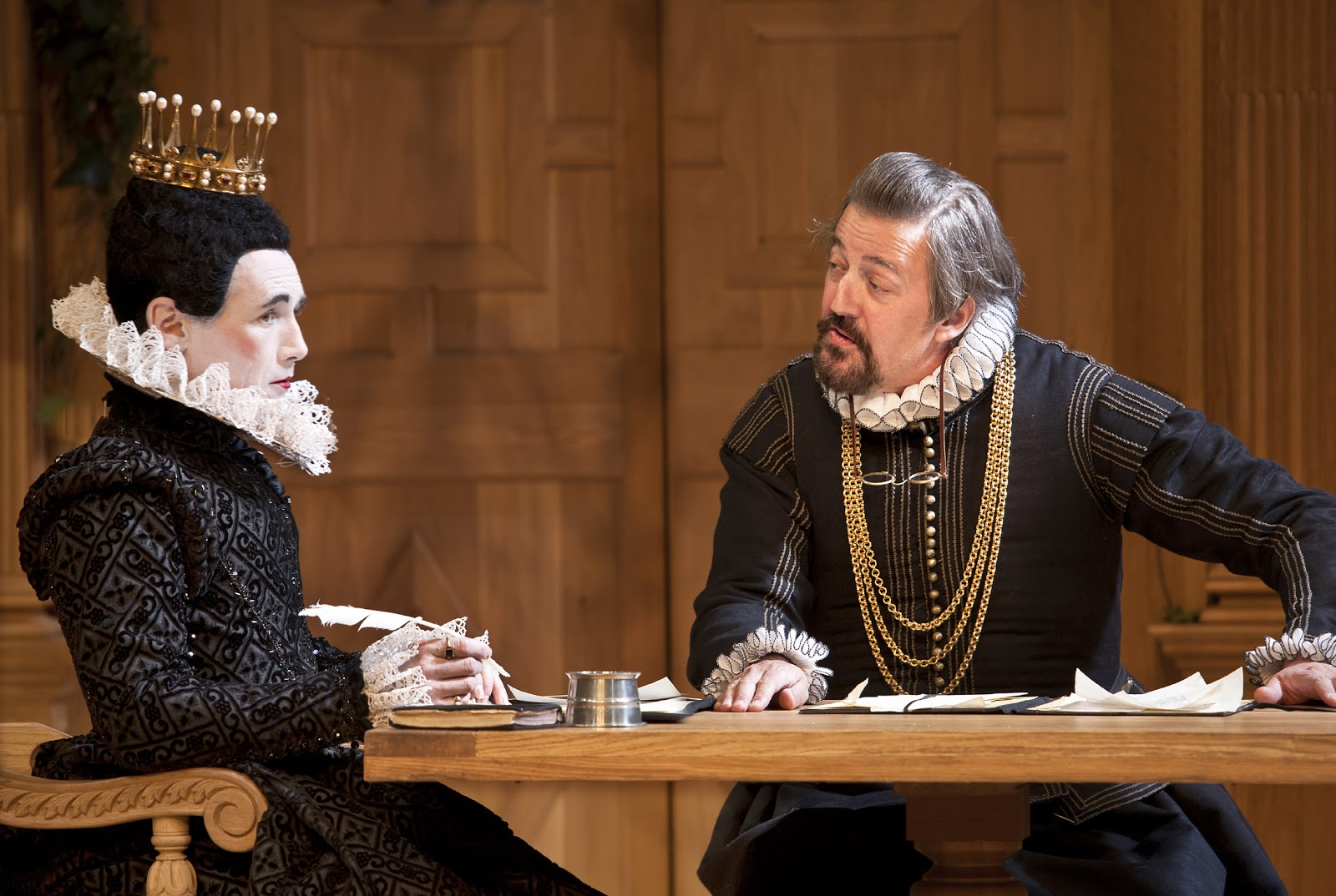 the role of the use of costumes in the play twelfth night A list of all the characters in twelfth night he seems to exist to take on the role despite the ambiguous and shifting gender roles in the play, twelfth night.