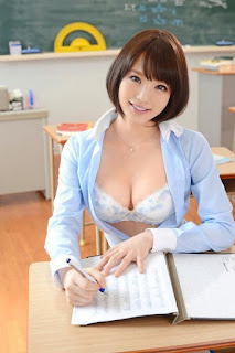 Japanese Hot Model Big Boobs Sexy Pictures www.cute-babesweb.blogspot.com