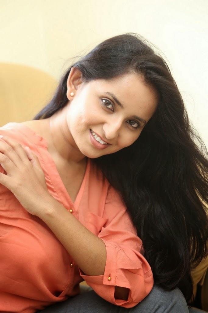 Ishika Singh Glamorous Photo shoot-HQ-Photo-14