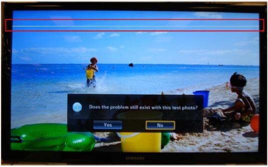 Línea en la parte superior de la pantalla TV LCD.