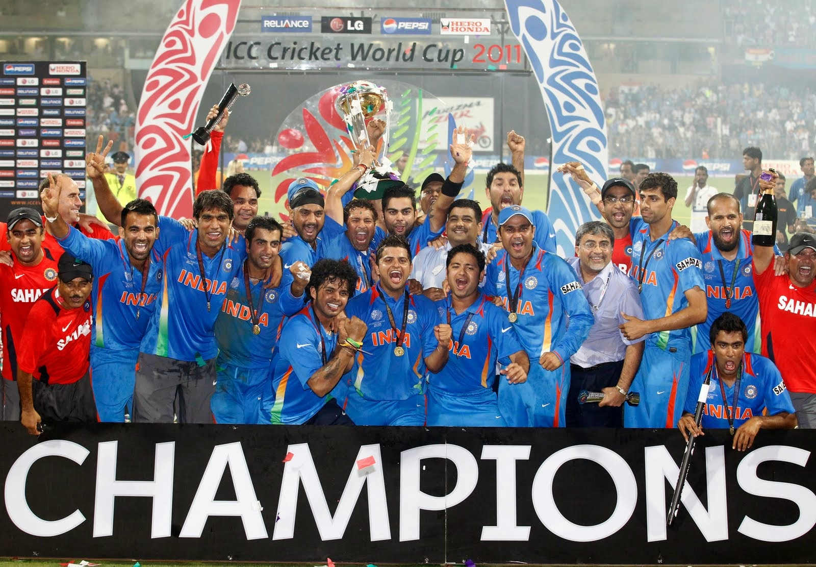 WATCH LIVE CRICKET WORLD CUP 2015 MATCH 20 INDIA VS UAE   LIVE COMMENTARY, FULL SCORECARD   MATCH PREDICTION