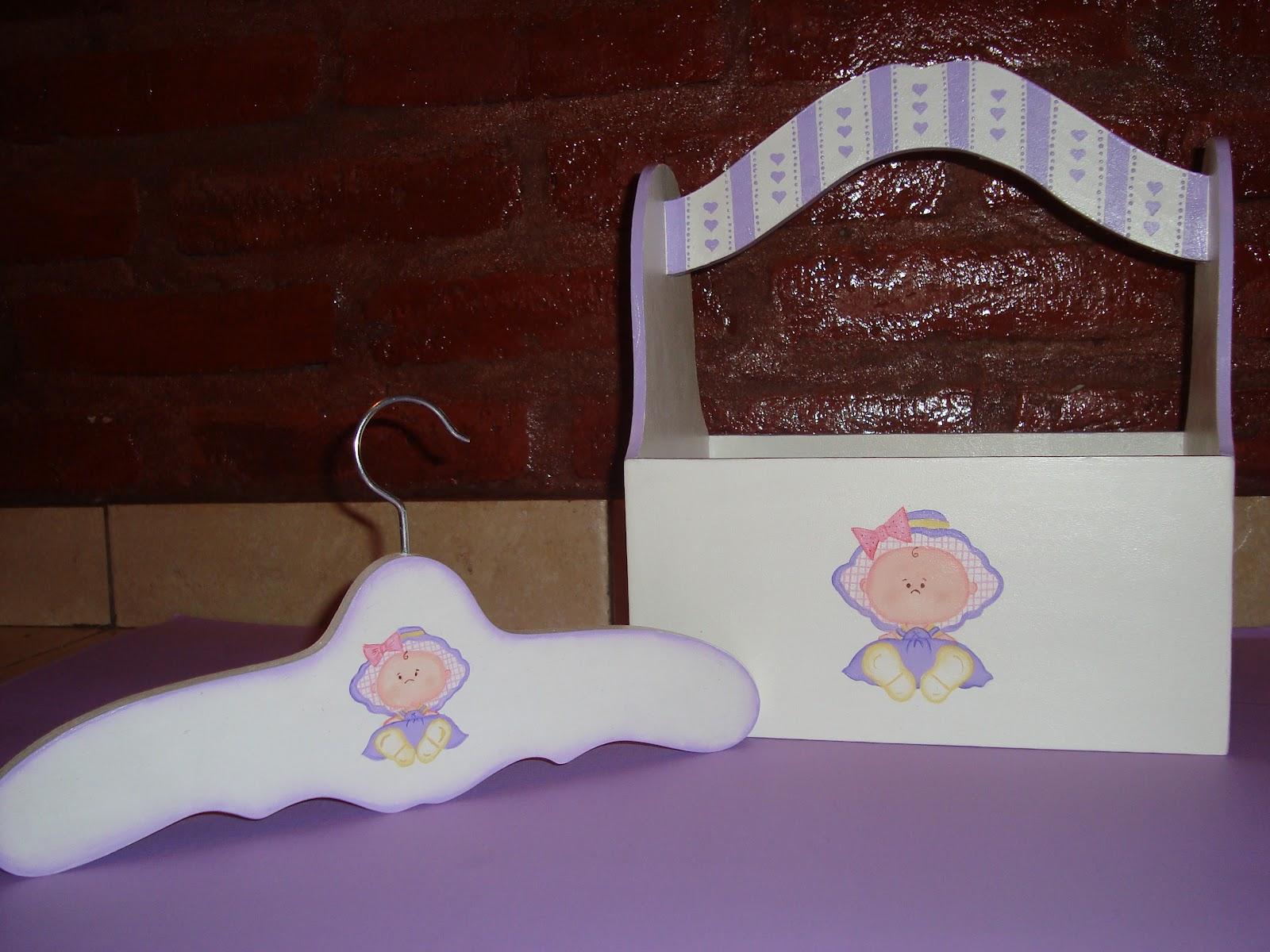 Mis artesanias del alma set para bebes - Perchas madera bebe ...