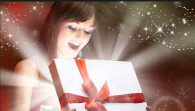 Original Holiday Gifts For Your Woman - girl open present gift