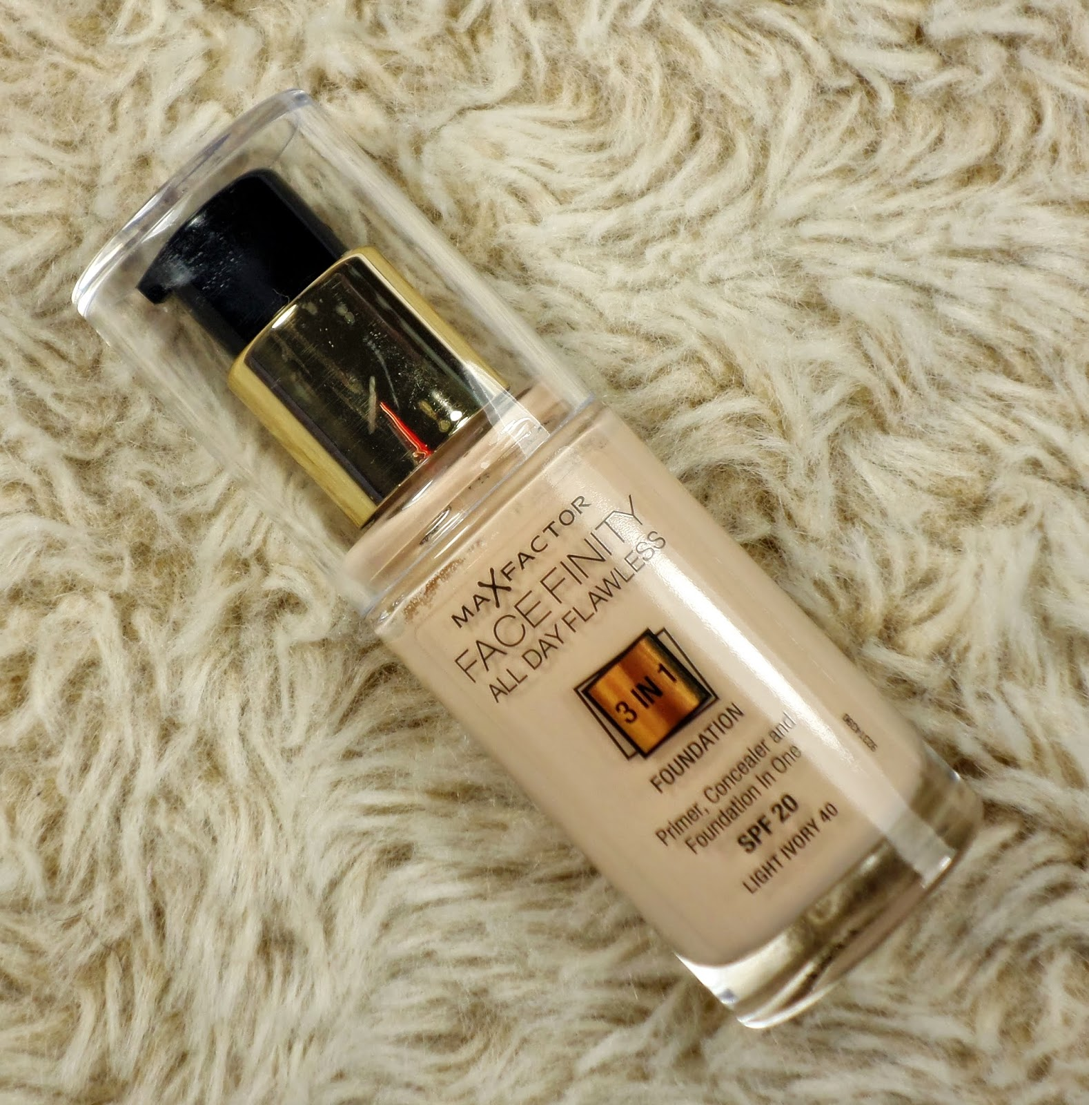 Max Factor Facefinity 3 in 1 Foundation in Light Ivory 40