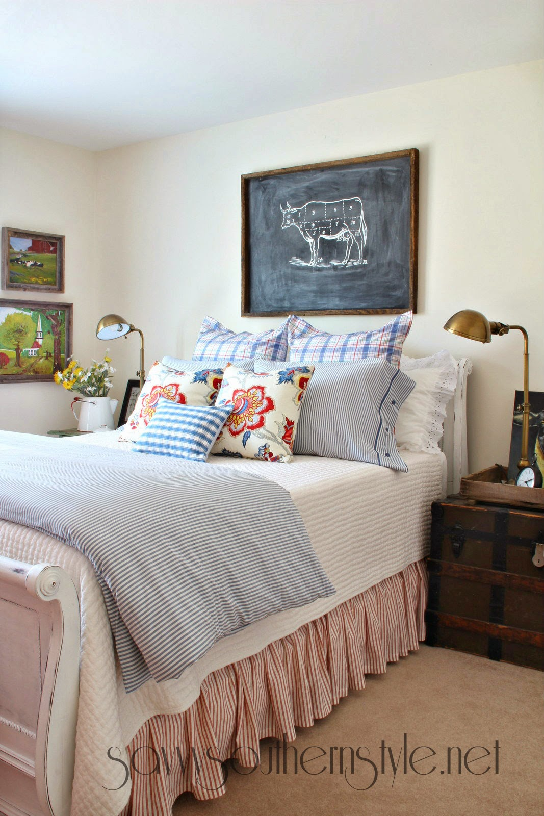 Savvy southern style farmhouse style guestroom spring 2014 - What is farmhouse style ...