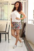 Seerat Kapoor New glam stills-thumbnail-10