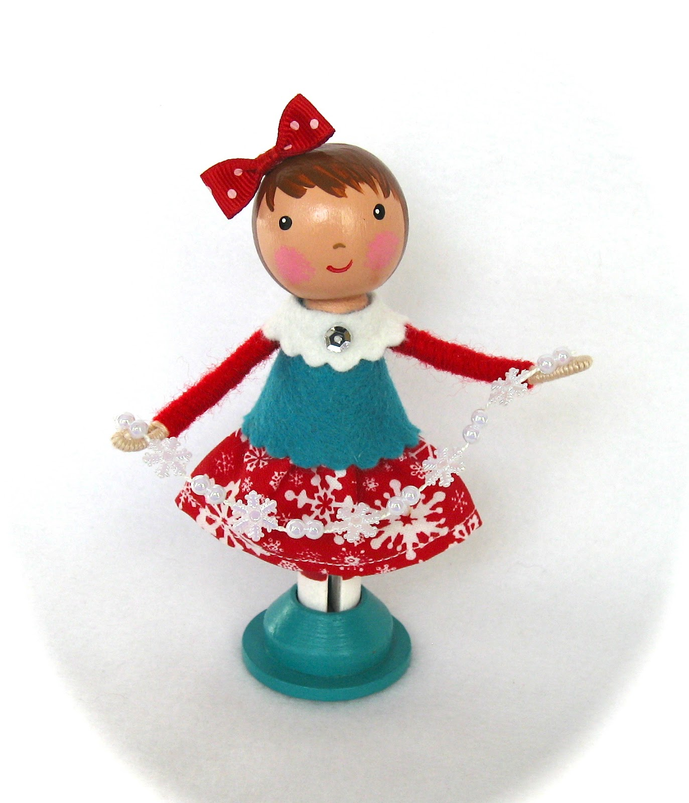 Cotton candy dolls red and aqua christmas clothespin dolls for Christmas clothespin crafts