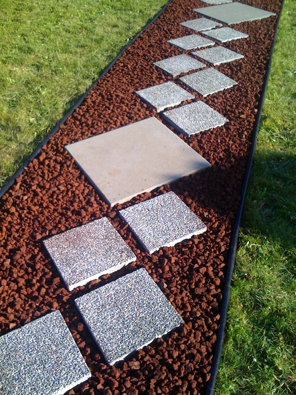 Tikilife for Small red rocks for landscaping
