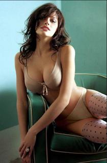 हॉलीवुड की सुंदर गर्म सेक्सी मॉडल और अभिनेत्री एन जैकलीन हैथवे