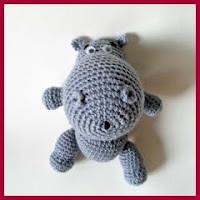 Mini hipopótamo amigurumi