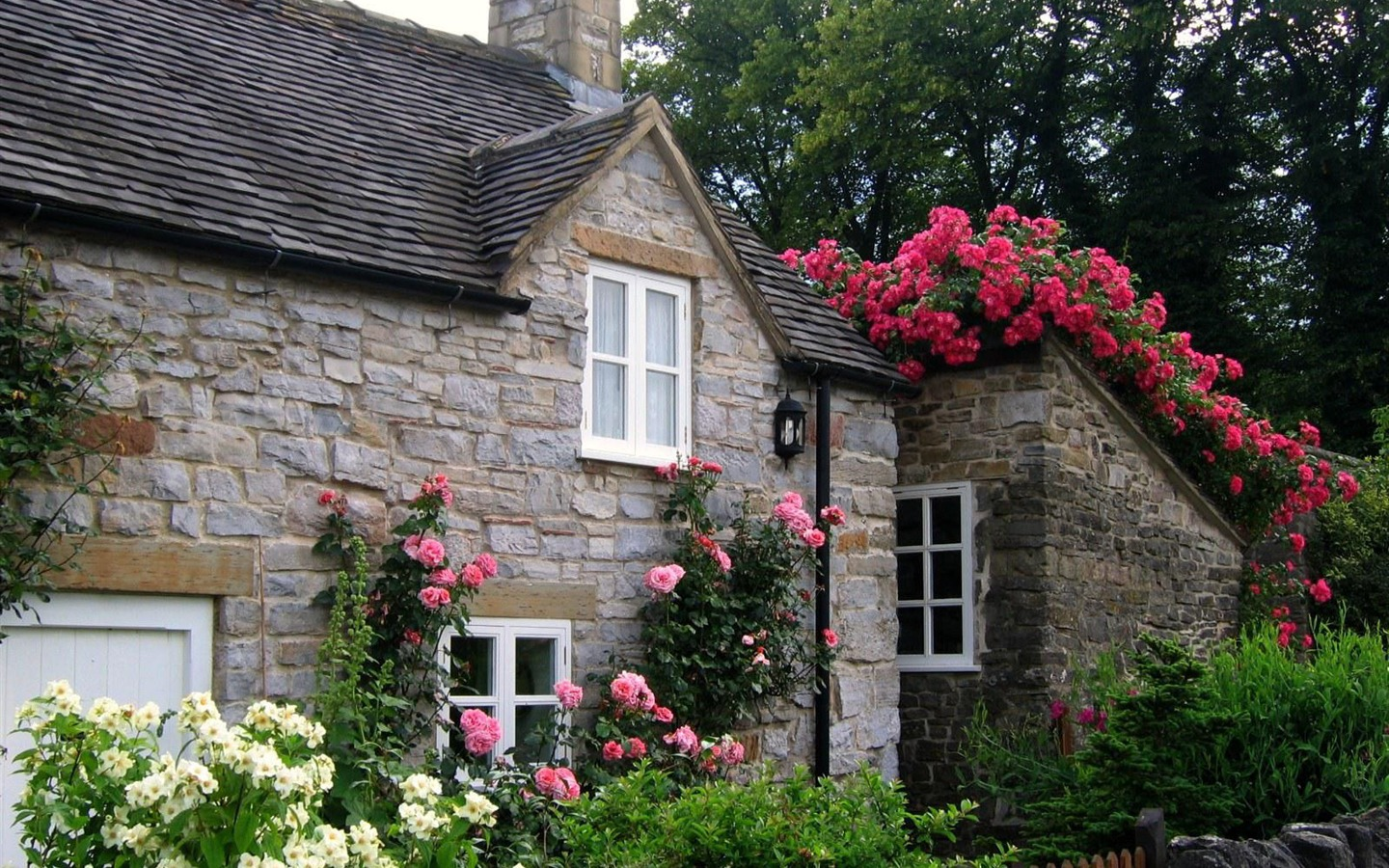 Critter sitter 39 s blog english scenes for Rose cottage