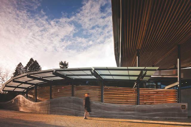 08-VanDusen-Botanical-Garden-visitantes-Centre-por-Perkins-Will