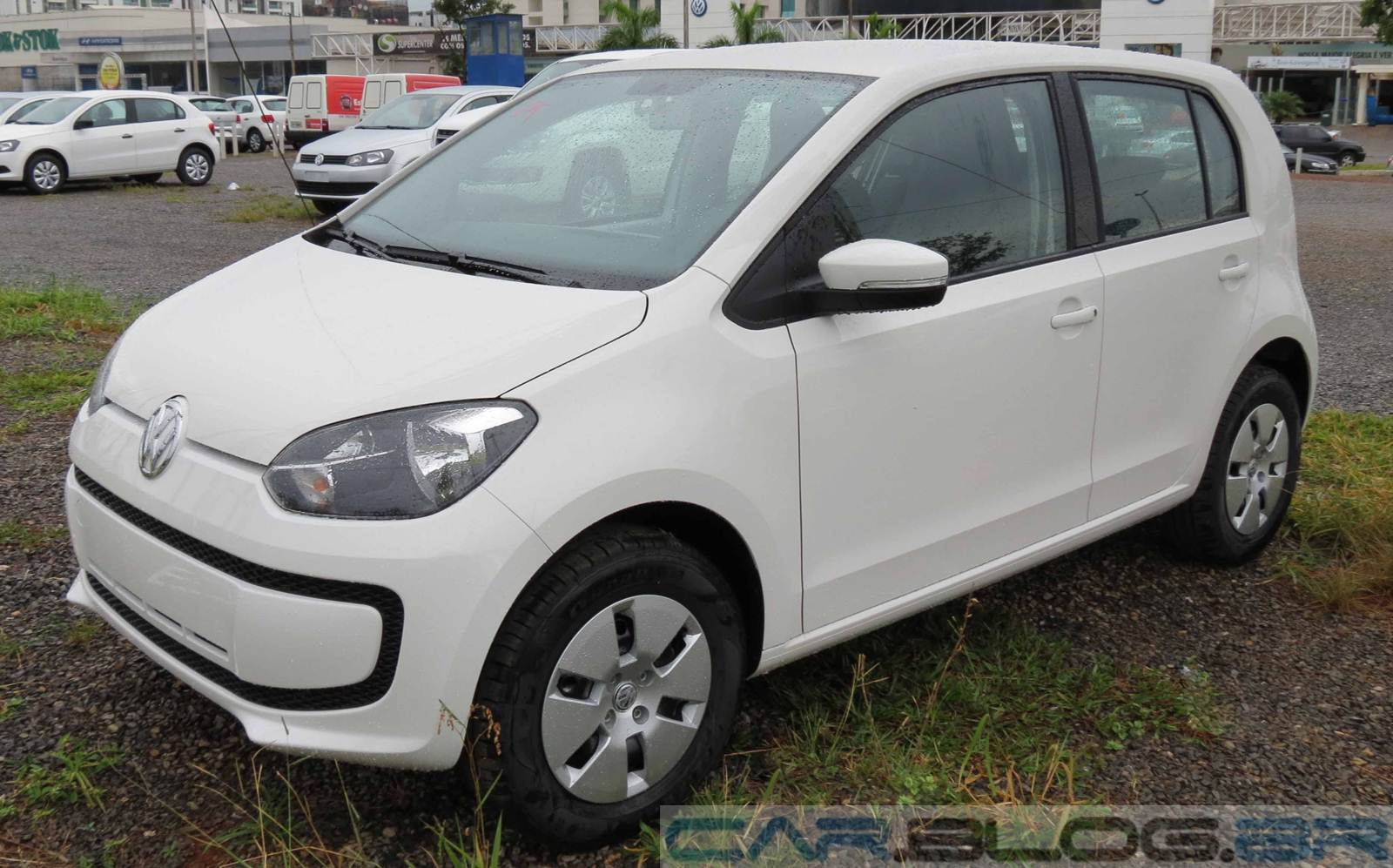 Volkswagen up! x Hyundai HB20 - comparativo