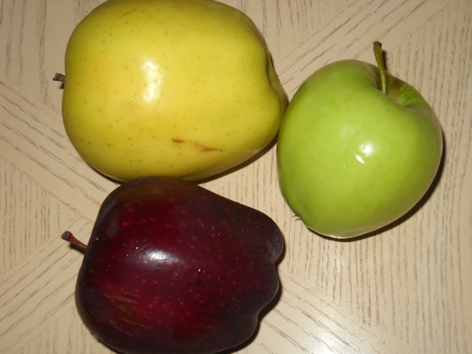 Red And Yellow Apples Granny smith (red, yellow,