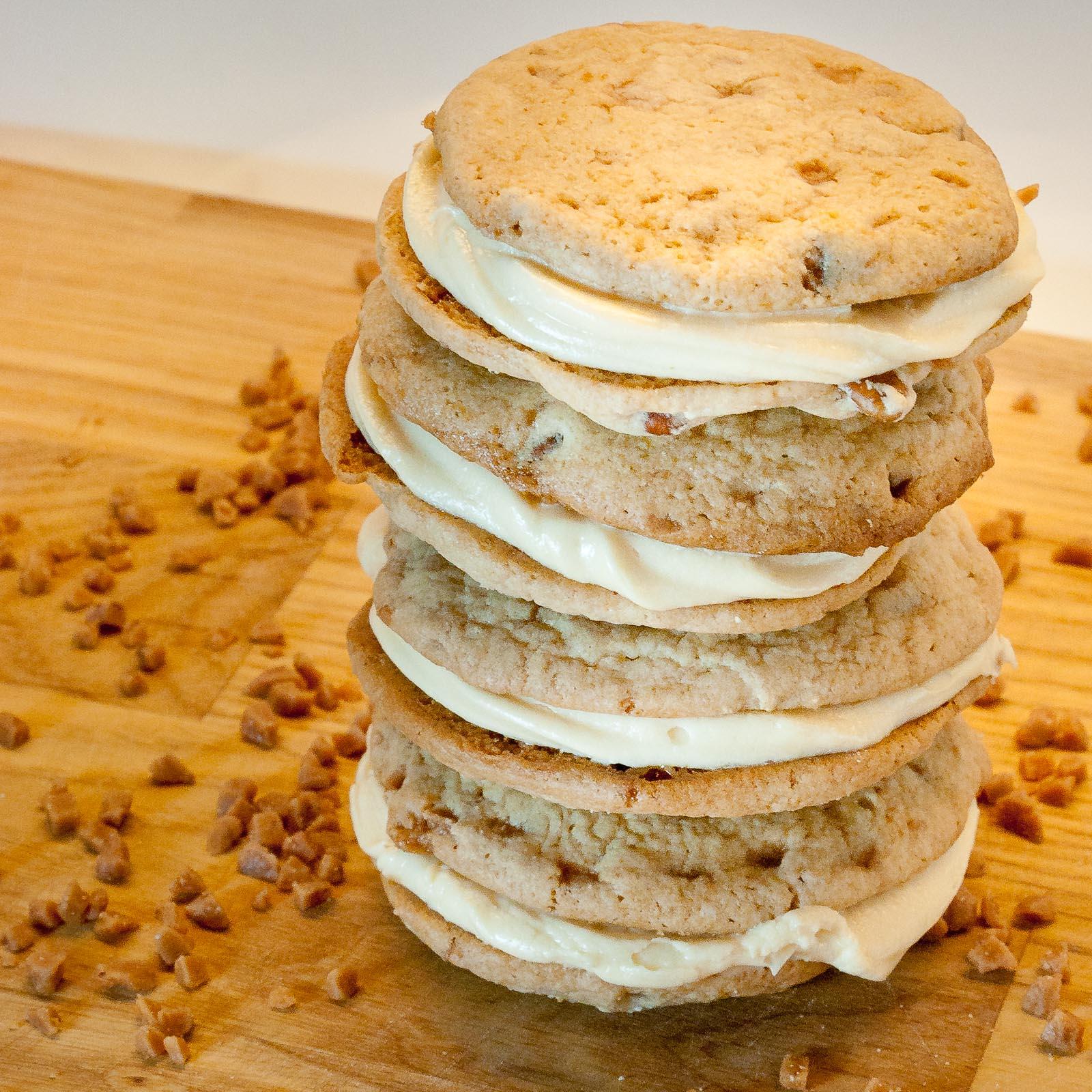 Sweet Twist of Blogging: Butter Pecan Wookie Pies