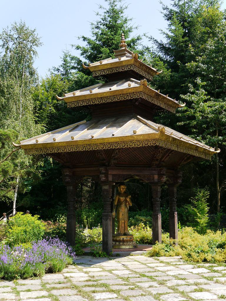garten impressionen nepal himalaya pavillon in wiesent nahe regensburg. Black Bedroom Furniture Sets. Home Design Ideas