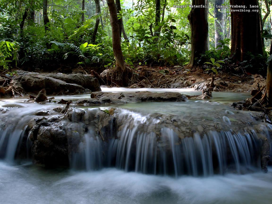 http://1.bp.blogspot.com/-WDlUWUe6Bik/TZMKnenuW_I/AAAAAAAAAB0/4OAxm8iCfrk/s1600/tb_waterfall_wallpaper_kangsi.jpg