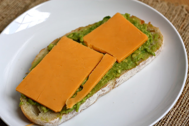 eats and beats: Cheddar and Avocado Sandwich