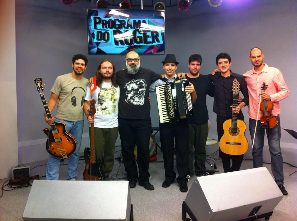 Roger Lerina com Gabriel Romano Gonzalez e Grupo