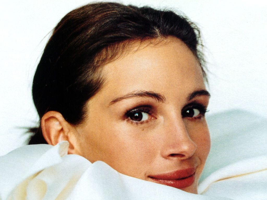 http://1.bp.blogspot.com/-WE2_LKpjpYc/UD9lQmwe0TI/AAAAAAAAI-8/G_UXn0HdhTg/s1600/celebrities-julia-roberts-388148.jpg
