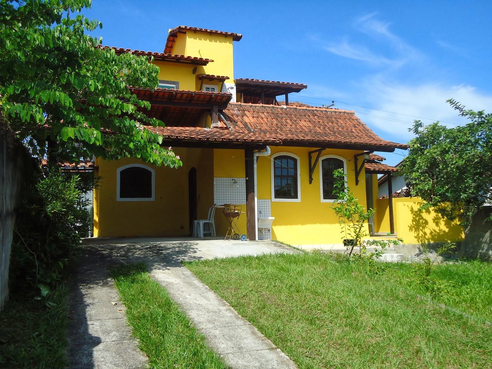 Vila do Sossego condomínio com 03 casas.