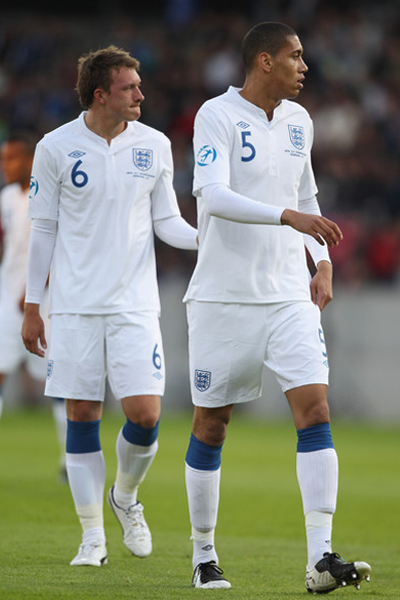 Jones and Smalling play with England team
