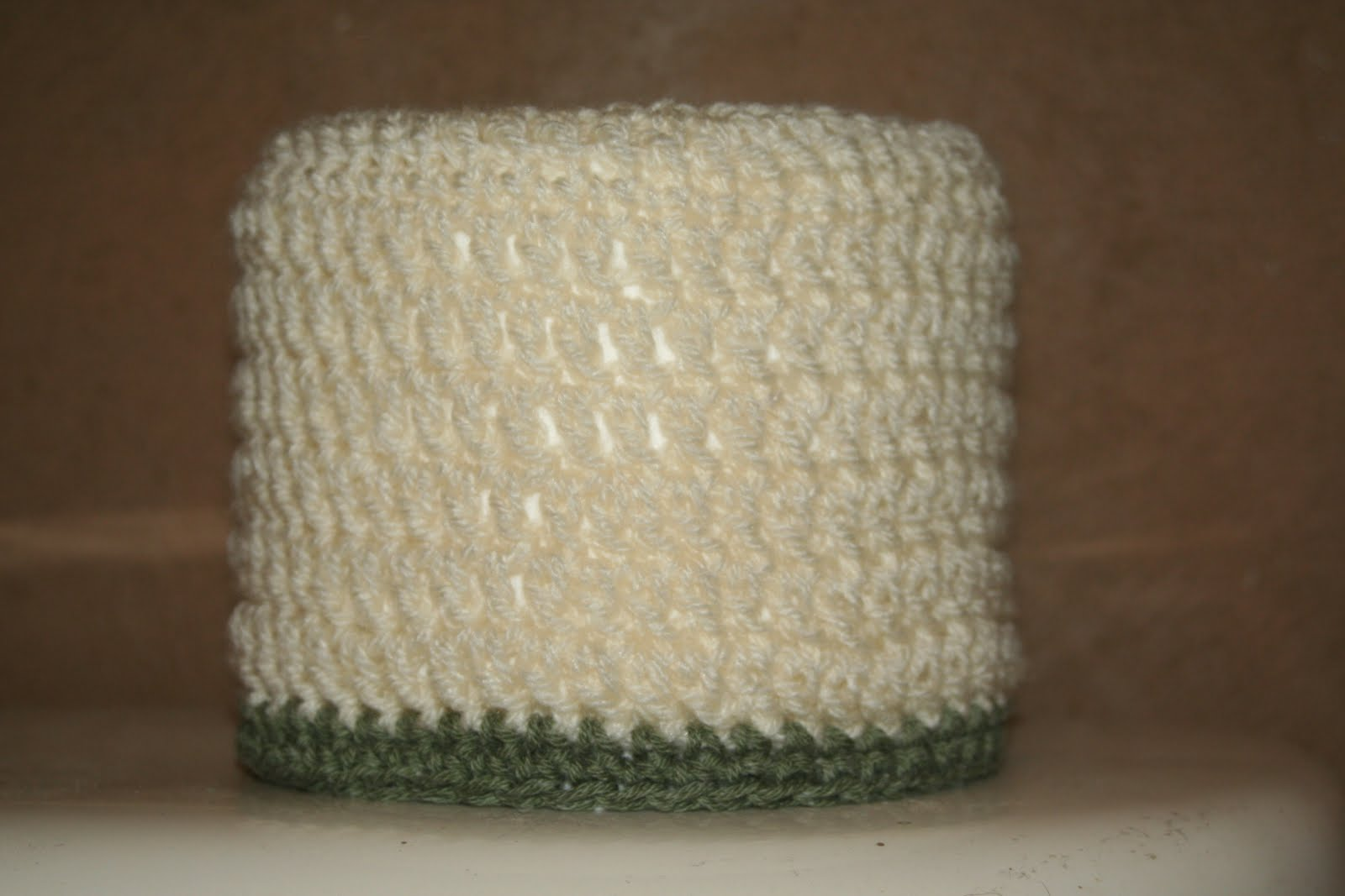 Free Crochet Patterns For Toilet Tissue Holders : Crafty Kate Going Crazy: Simple Toilet Paper Roll Cover ...