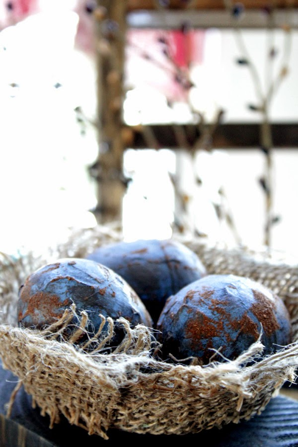 http://liverandomlysimple.com/diy-primitive-easter-eggs/