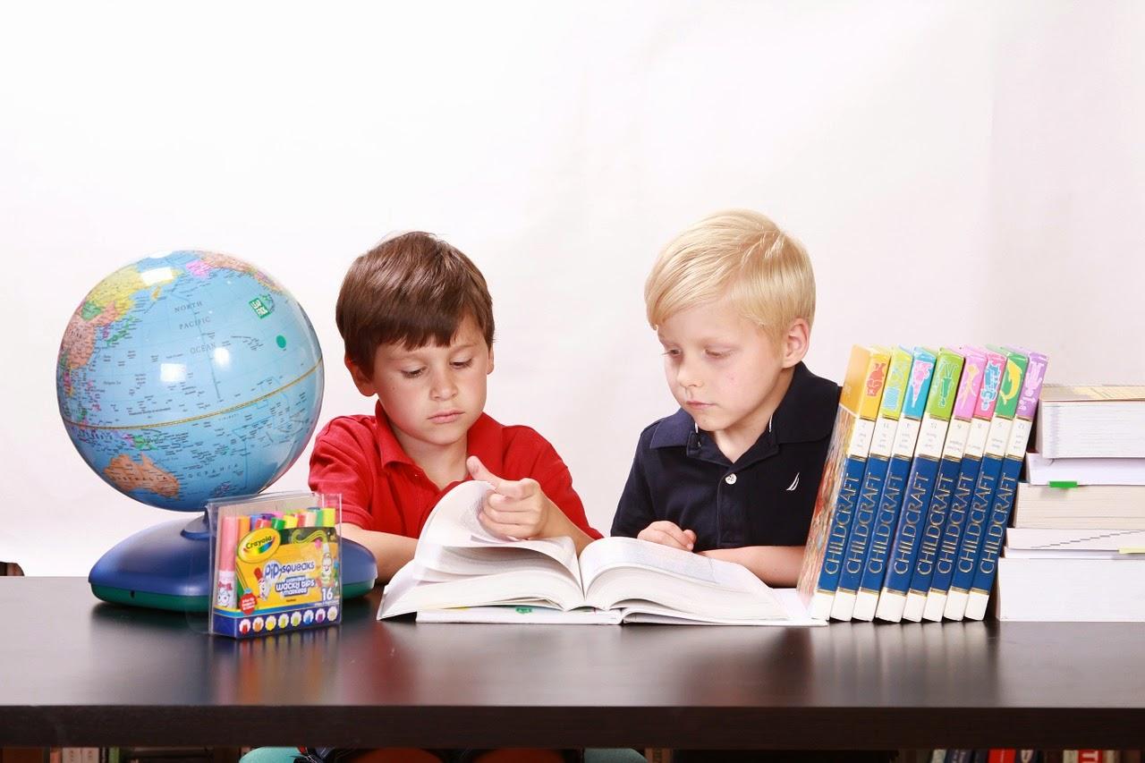 5 نصائح تساعد بها طفلك للتفوق فى دراسته