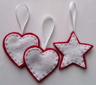 eso los traje esta imagen con unos colgantes navideños dos corazones ...