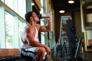 The most significant advantages of WPI (Dymatize Elite Whey protein isolate), it is the ability to absorb.