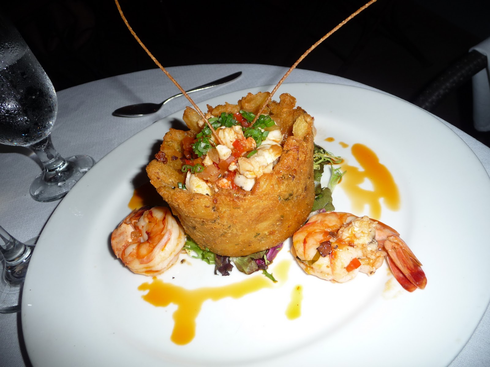 Shrimp and Lobster in a Mofongo Basket - Courtesy of 1.bp.blogspot.com