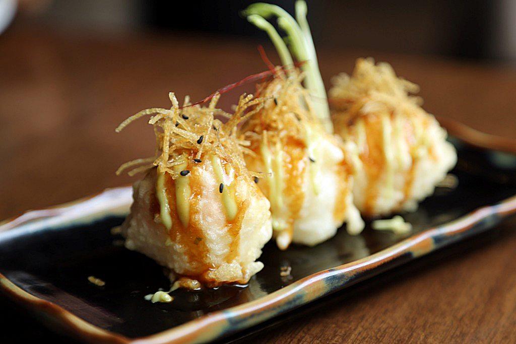 Manhattan Roll Kessaku Japanese Restaurant
