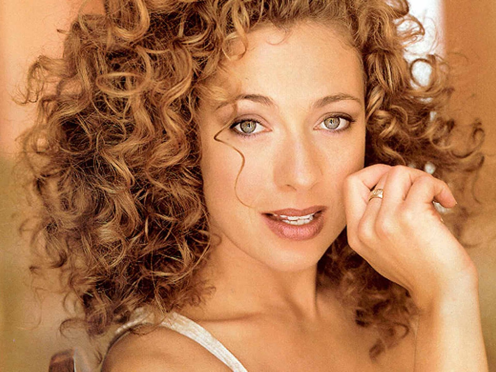 Hq Wallpapers Alex Kingston Wallpapers