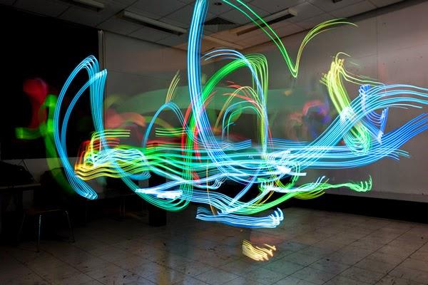 Luis Hernan đã chụp hình ảnh sóng Wifi bằng cách nào? và các hình ảnh đẹp ( Có link tải luôn nha) Hinh+anh+thuc+song+wifi+5