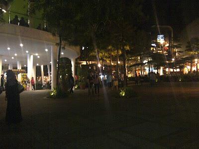 IMG 20120517 00105 Bandung, Suasana malam yang penuh gairah dan Surga para pencinta belanja