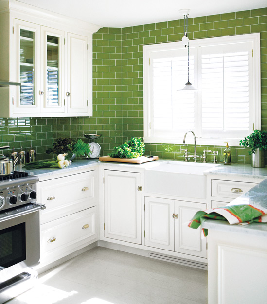 The Granite Gurus: Whiteout Wednesday: 5 White Kitchens with a Pop ...
