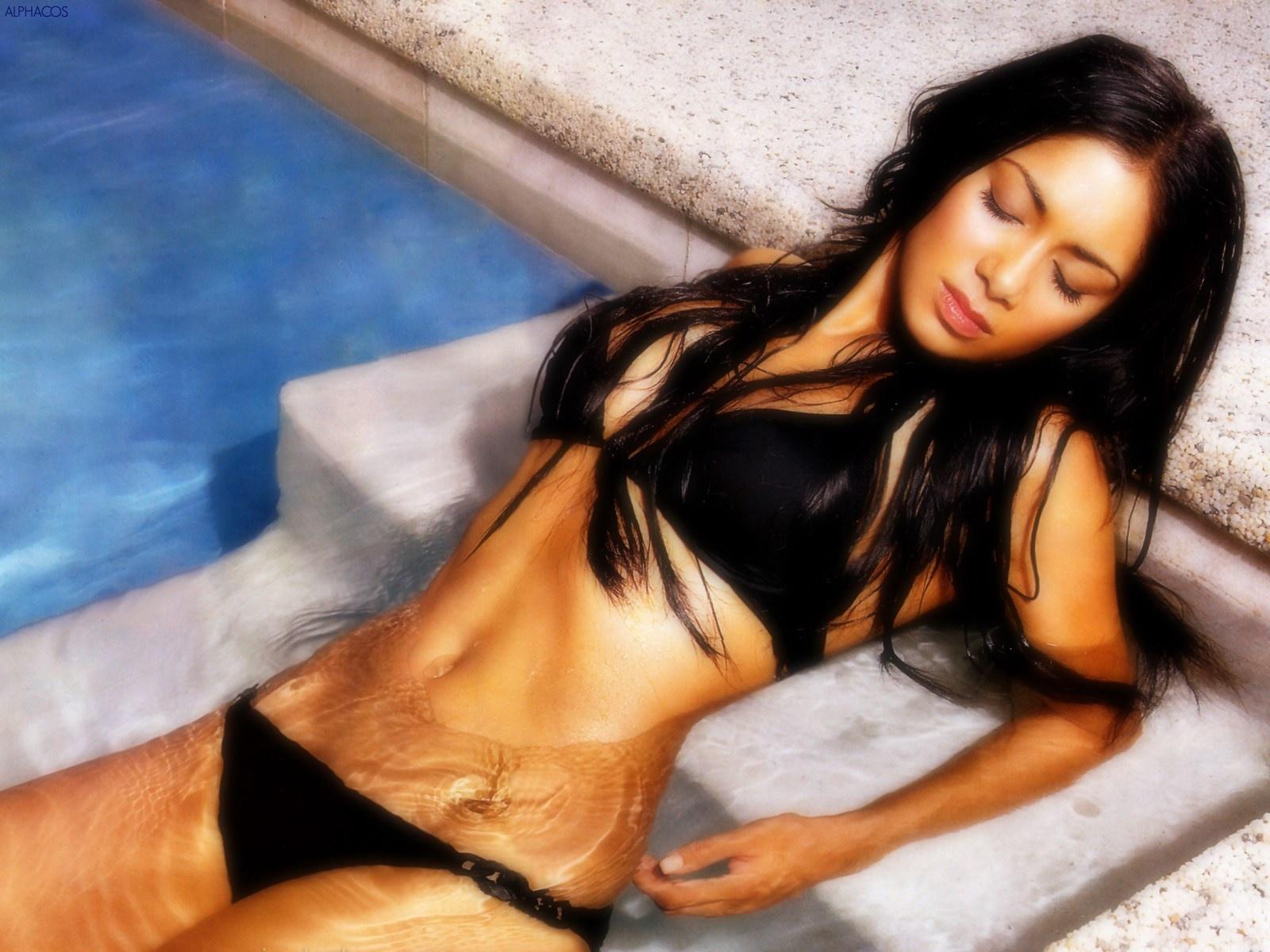 http://1.bp.blogspot.com/-WFLrS0NbvS4/Tvivb1J0toI/AAAAAAAACpk/zTkvUOVZZvU/s1600/Nicole-032-Scherzinger-032-Sexy-1600x1200.jpg