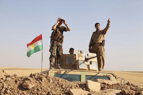 "Pasukan pejuang Kurdi (peshmerga) melakukan penyebaran keamanan intensif melawan militan Islamic State di garis depan di Khazer, Jumat (8/8). Pesawat tempur AS menyerang pejuang Islam bergerak di ibukota Kurdi Irak pada hari Jumat setelah Presiden Barack Obama mengatakan Washington harus mengambil tindakan untuk mencegah ""genosida"". (ANTARA FOTO/REUTERS/Azad Lashkari/djo/14)"