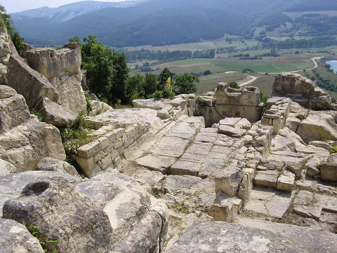 EU sponsors restoration of Bulgaria's Perperikon