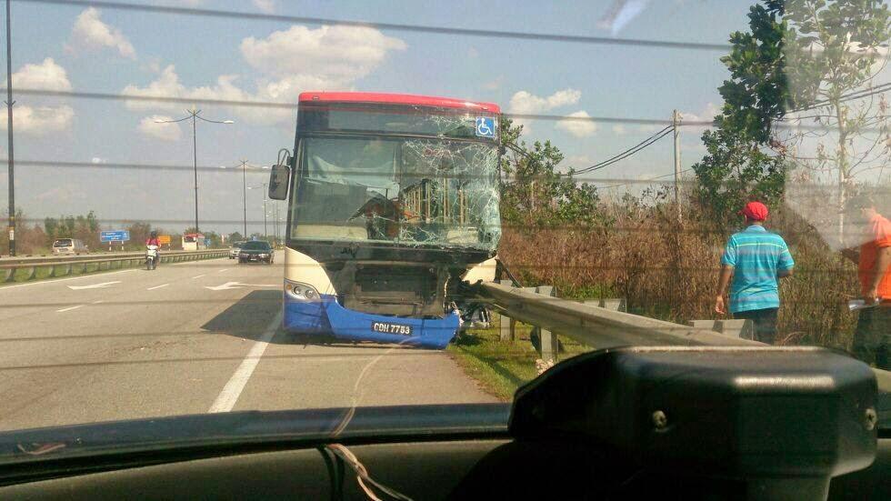 kemalangan bas rapid kuantan