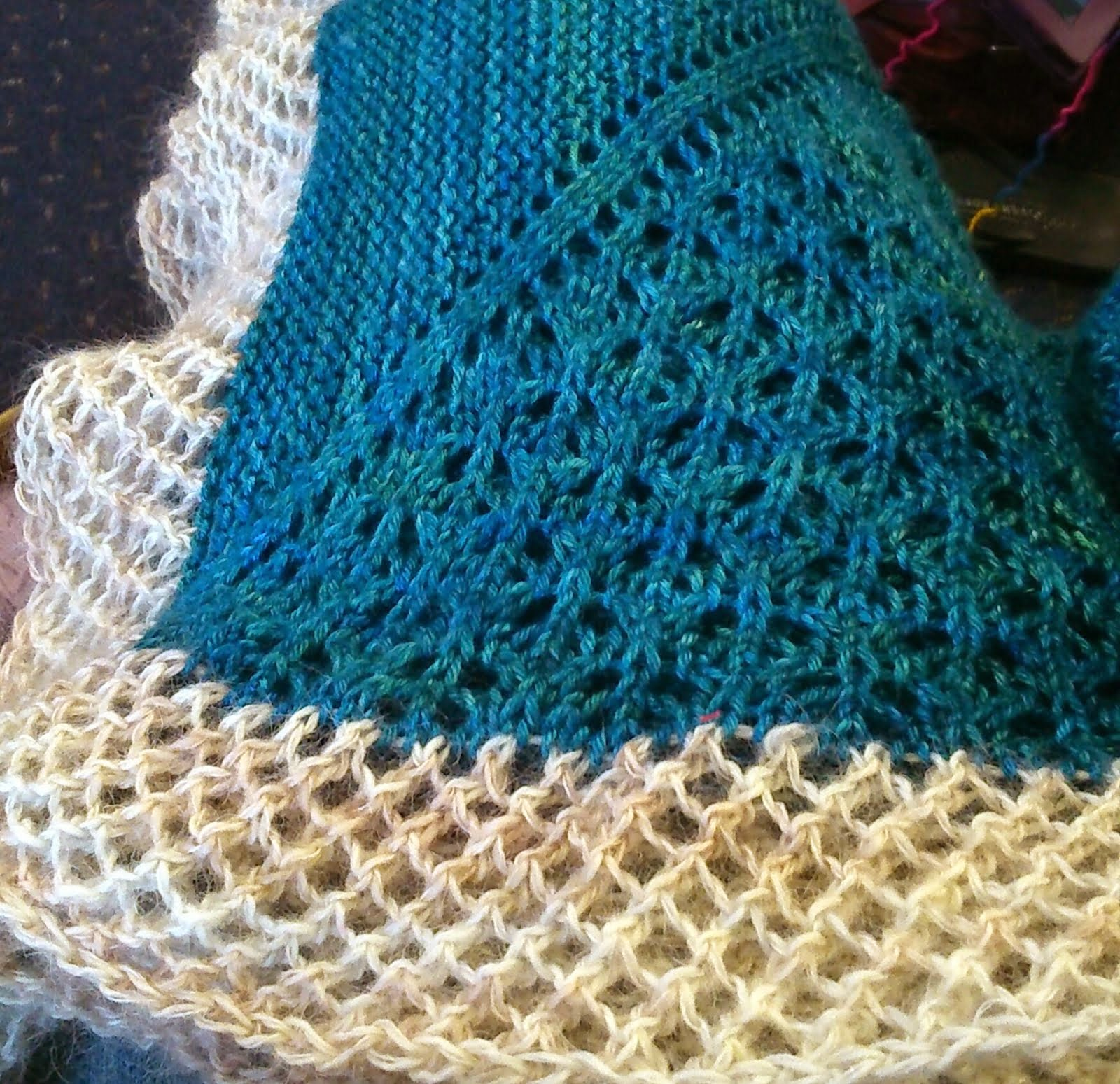 Mistea crafts: A lot of Knitting and little Unpicking!